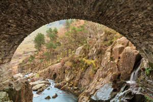 Ogwen Arch by boldfrontiers