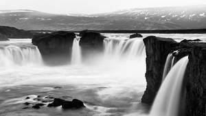 Godafoss - Black and White (FHD Request) by boldfrontiers
