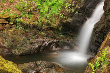 Dolwyddelan Spring Falls by boldfrontiers