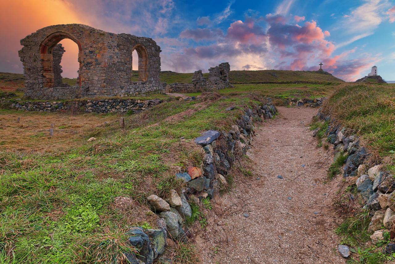 Sacred Sunset Ruins