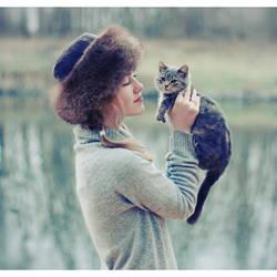 katelovescat by marymarycherry