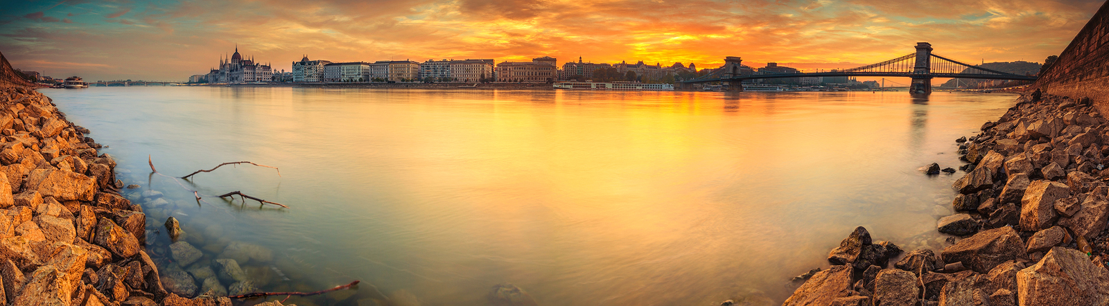...180 degrees panorama of budapest... by roblfc1892