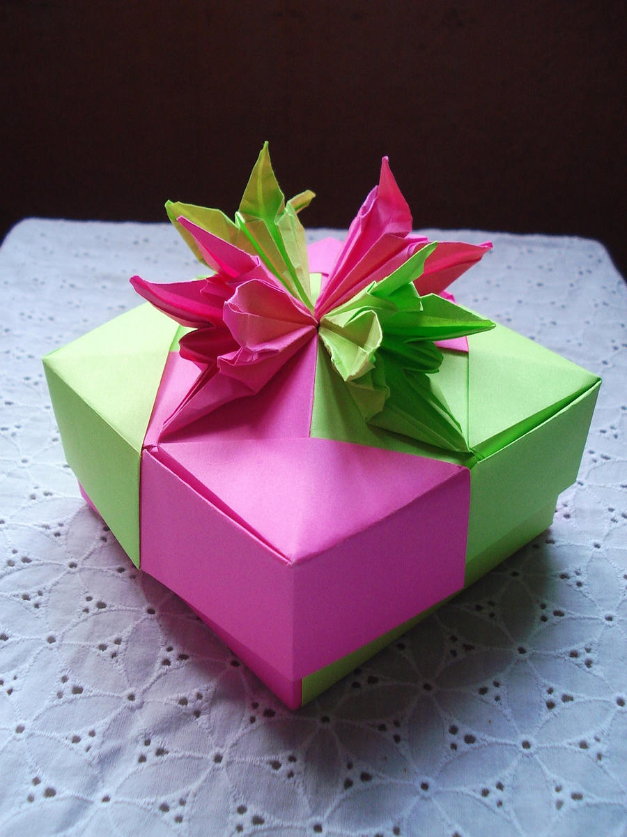 box with iris 2 by kiytzia on deviantart. Black Bedroom Furniture Sets. Home Design Ideas