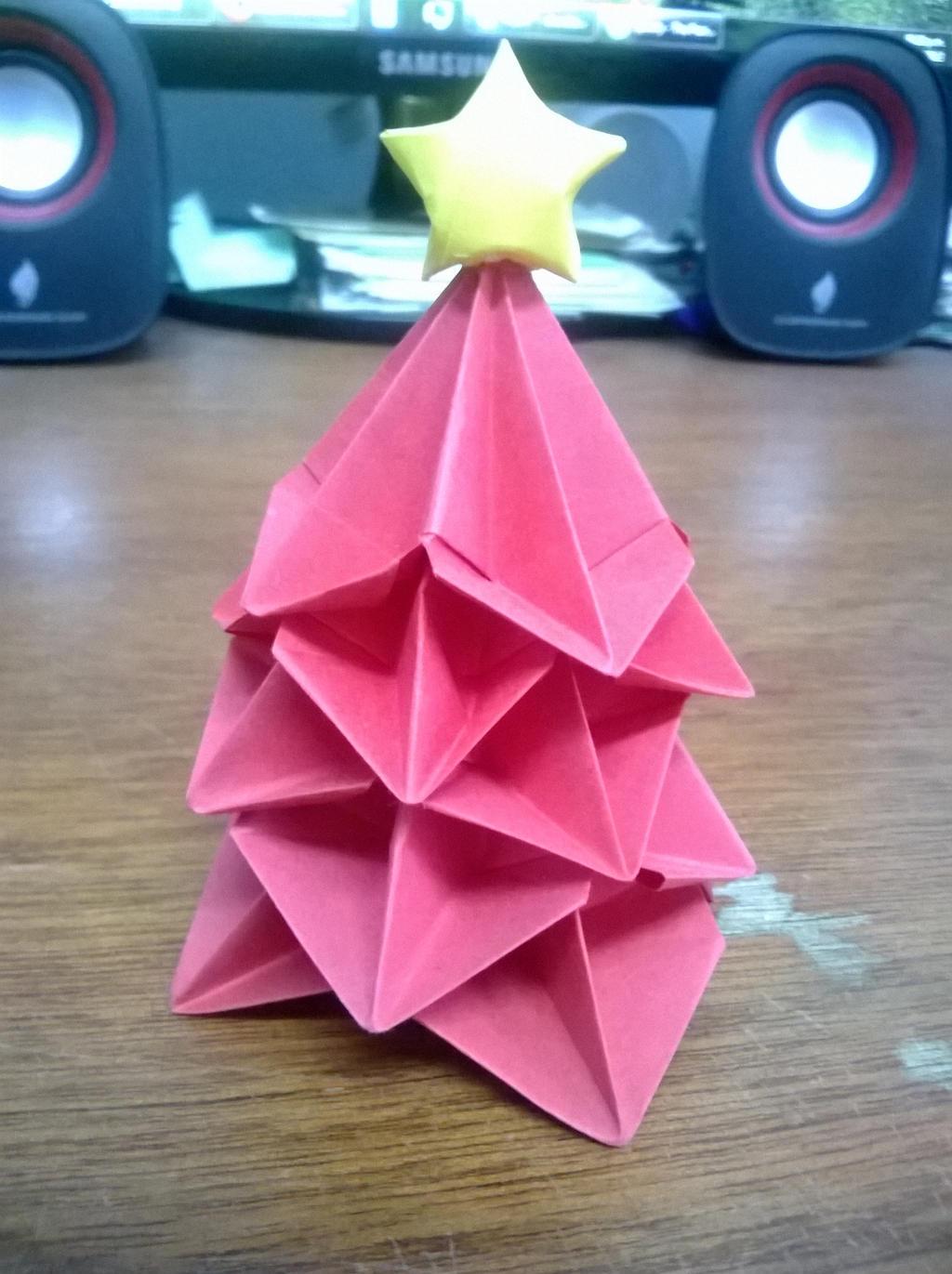 Christmas Tree by KiYtZiA