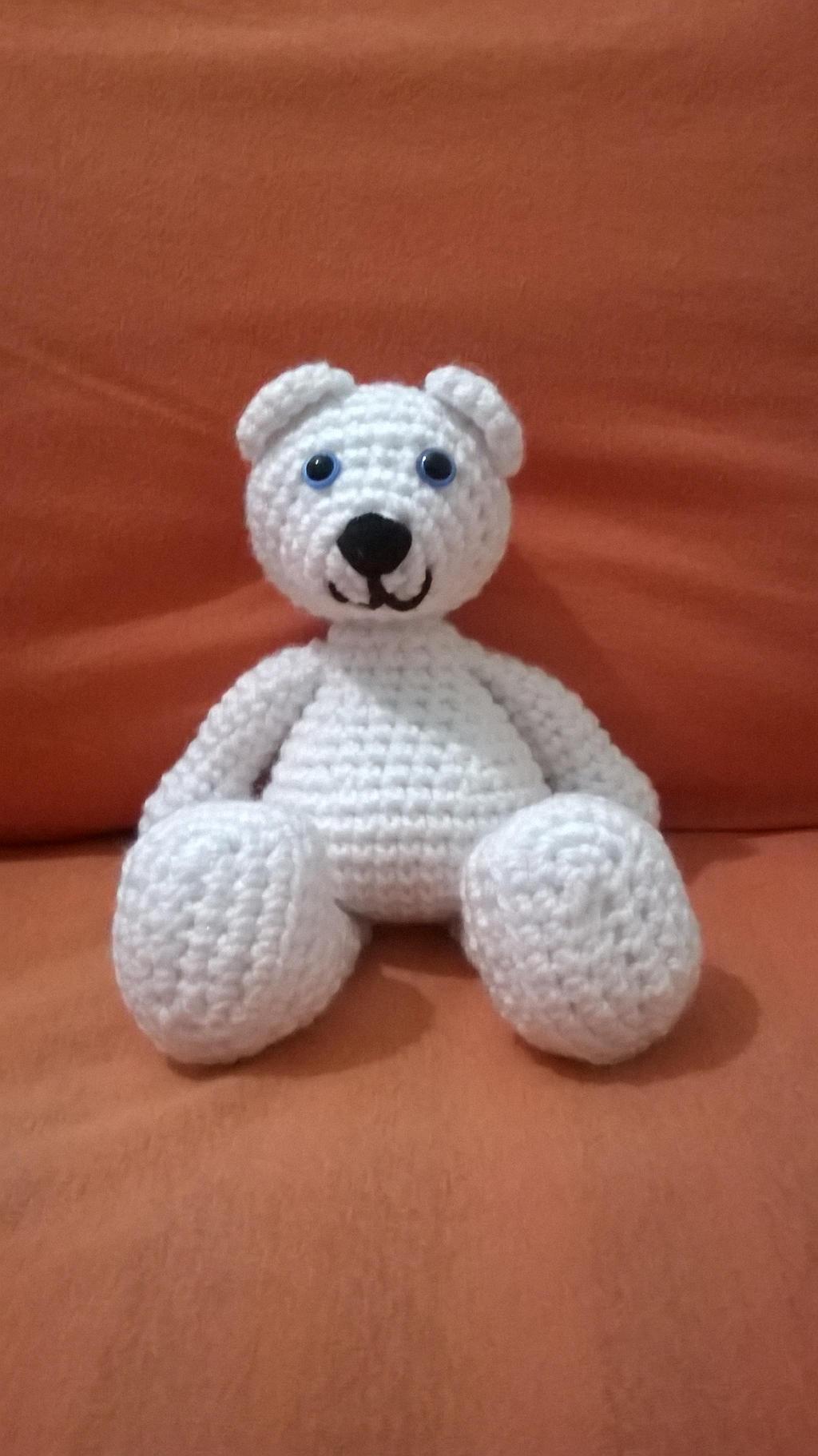 White Teddy Bear by KiYtZiA