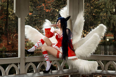 Ahri by UniCatCosplay