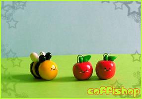 Cute bee + apples by coffishop