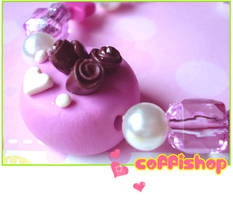 Pink cake bracelet by coffishop