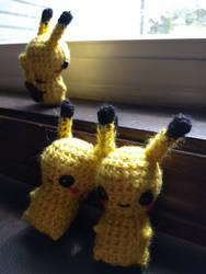 Pikachu Bon-bons by Ru-Tapillar