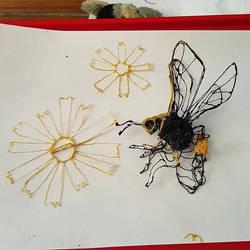 3D Pen bee construction by ceredwyn