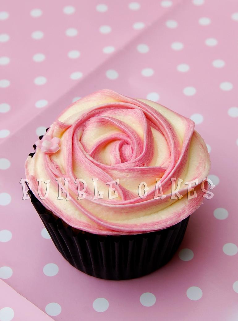 Rose Cupcake by Vixxybo
