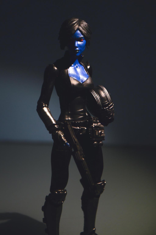 Female Chiss Smuggler 03