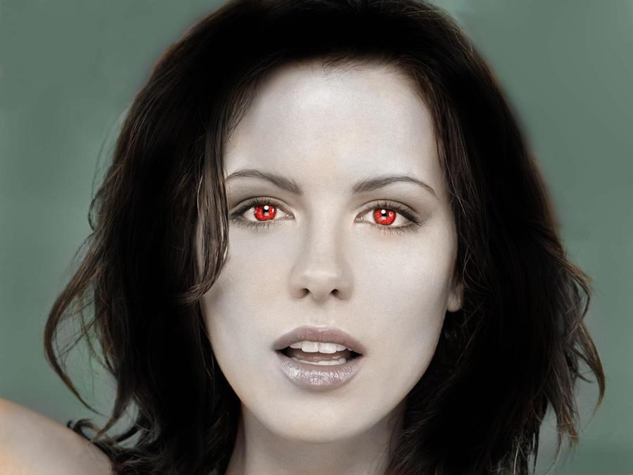 Kate Beckinsale as a vampire