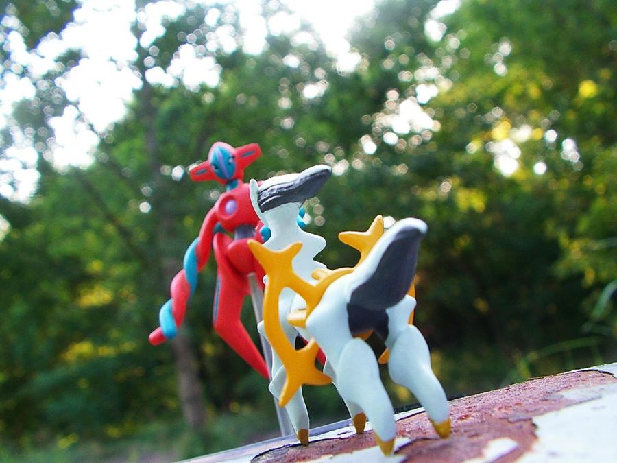 PokeSnap - Arceus vs Deoxys 01 by lordicted on DeviantArt