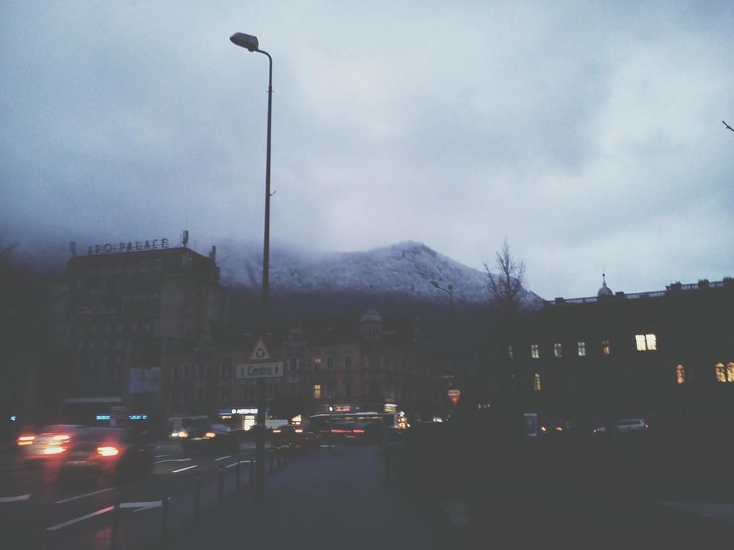 First snow in Brasov by deyush08