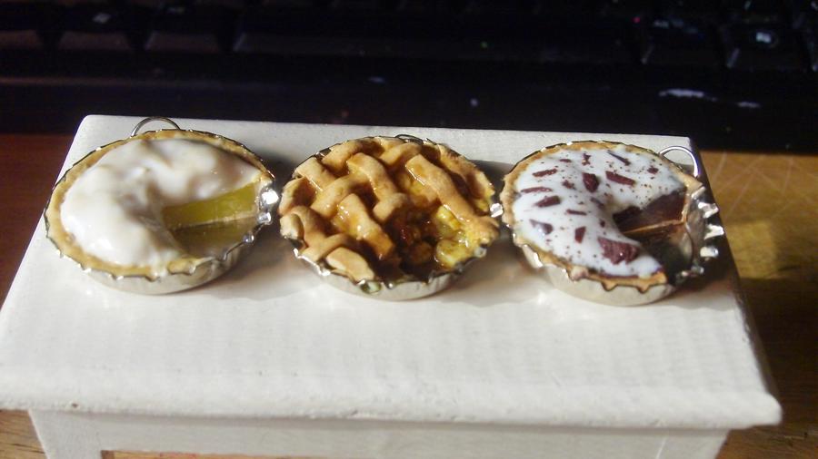 Lemon Meringue, Apple, and Chocolate Cream Pies by Saint-chan