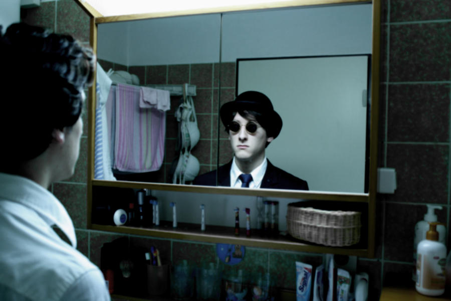 Der Mann im Spiegel by Ahab88