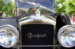 some French frog-eyed vehicle by Pippa-pppx