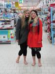 Katrin and Lena barefoot 2