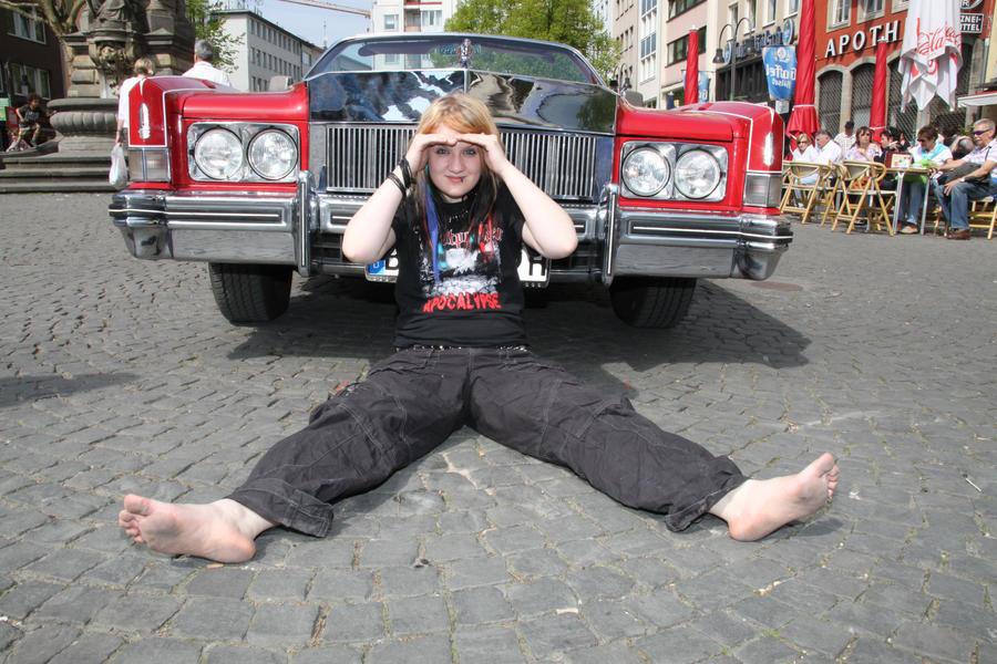 https://img00.deviantart.net/6b36/i/2011/232/1/6/marlene_barefoot_in_cologne_by_burkhard1955-d479ltt.jpg