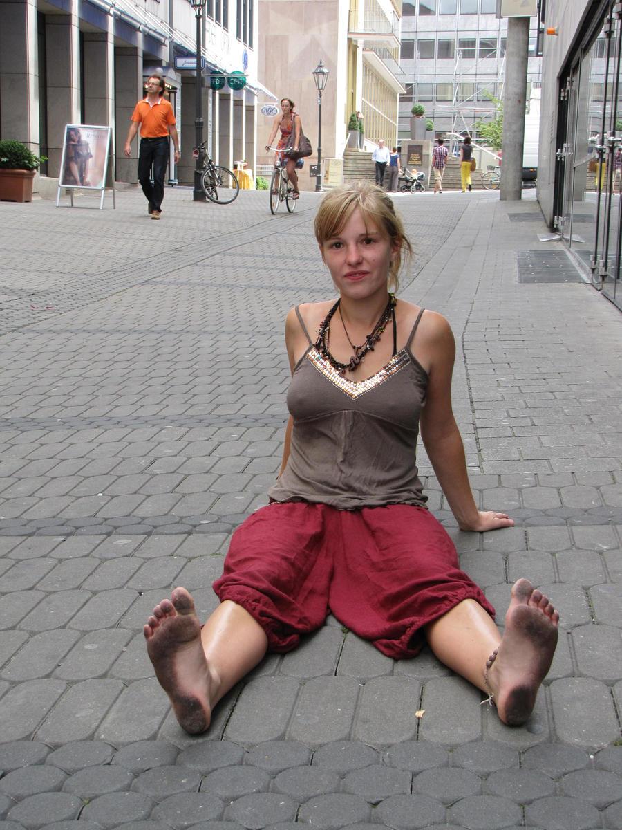barefoot girl in Nuernberg by Burkhard1955