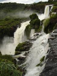 agua verde cae by ojosbienabiertos