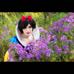 Snow White by CosplayBanzai