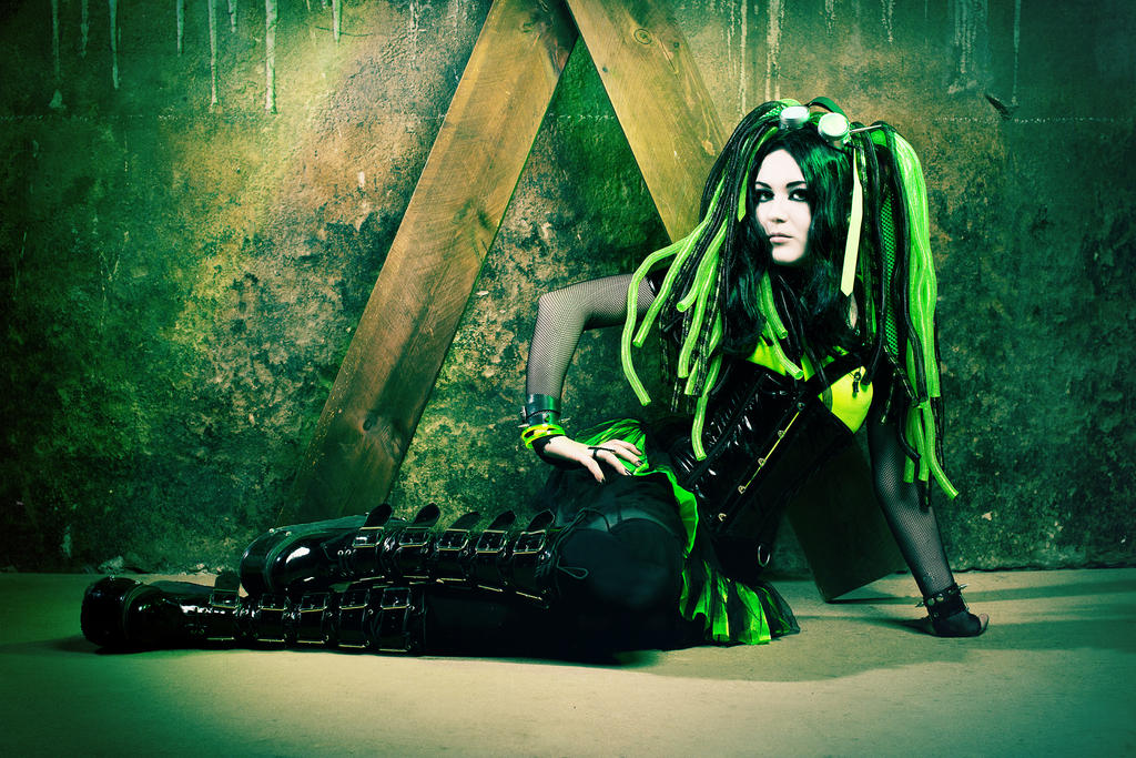 Green cybergoth by mysteria-violent