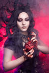 Queen of Hearts by mysteria-violent