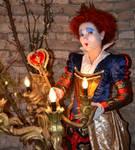 queen of hearts by Desaturateful