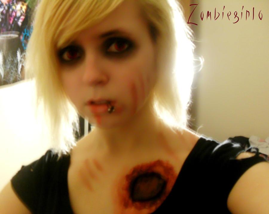 Zombiegirl6 by ZombieGirl6