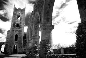 Baltinglass Abbey by seancoetzer