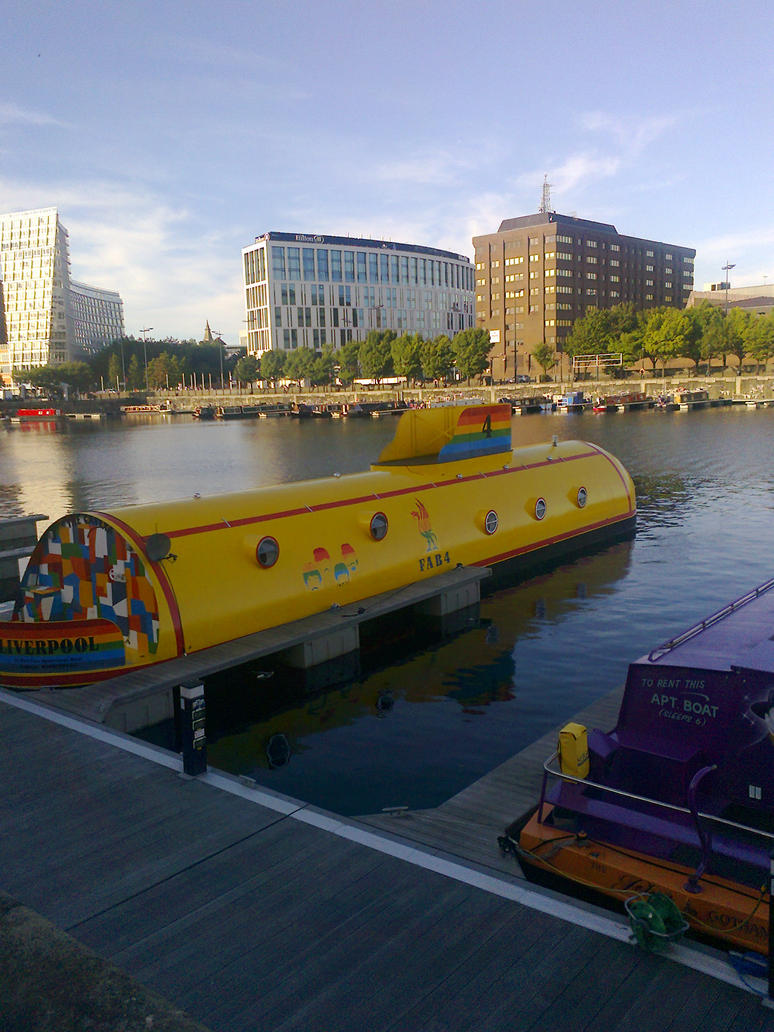 We all live in a yellow submarine by Allie190