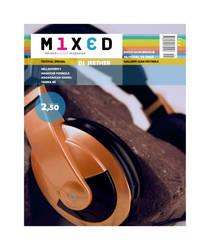 Magazine: Headphones