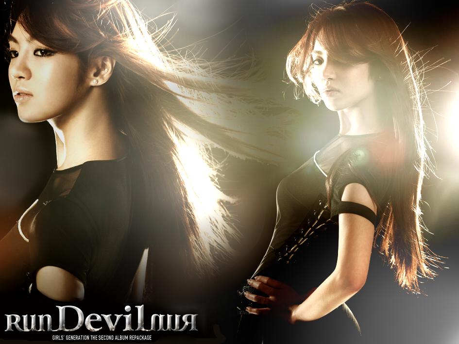 صور للعسولات SNSD في استايل اغنية Run Devil Run Run_Devil_Run___Hyoyeon_by_HigSousa