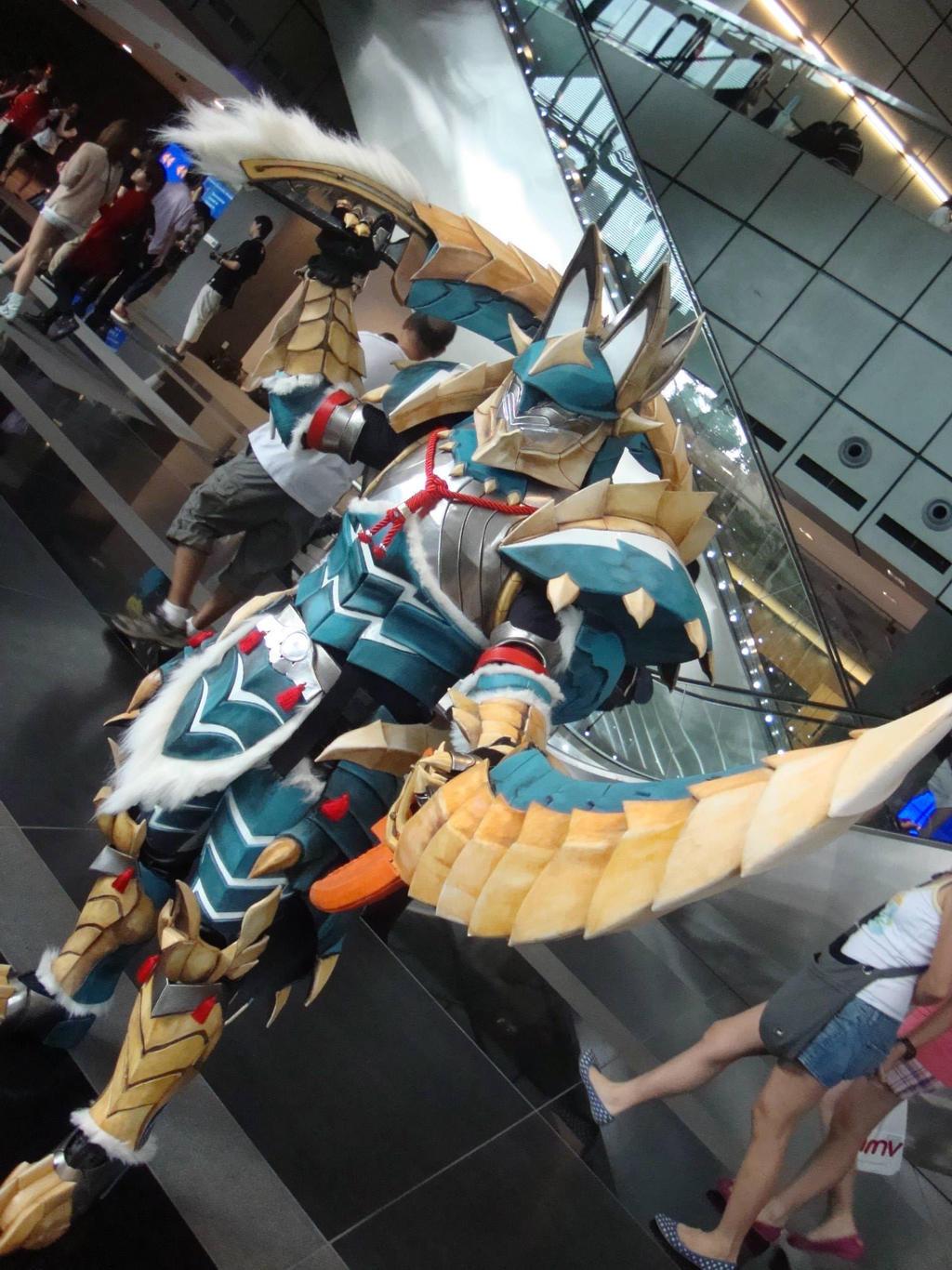 AFA Singapore 2013: Jinouga Armor 2 by DragonicHeaven
