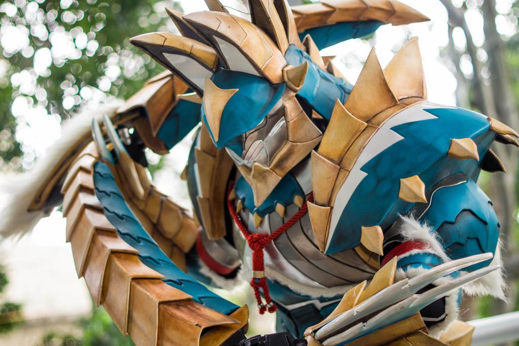 AFA Singapore 2013: Jinouga Armor 4 by DragonicHeaven