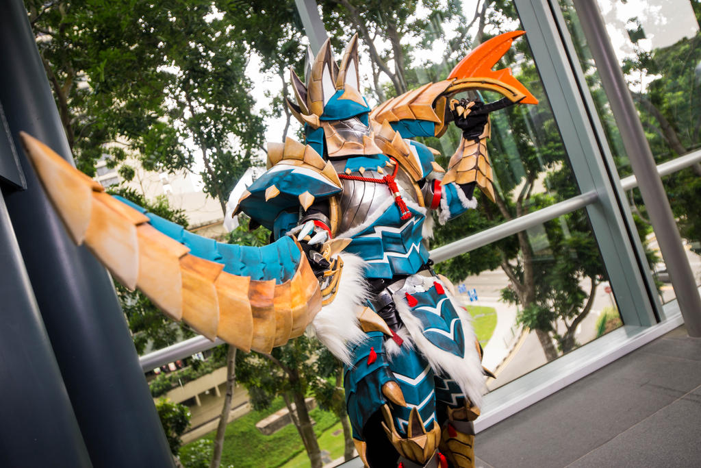 AFA Singapore 2013: Jinouga Armor 5 by DragonicHeaven