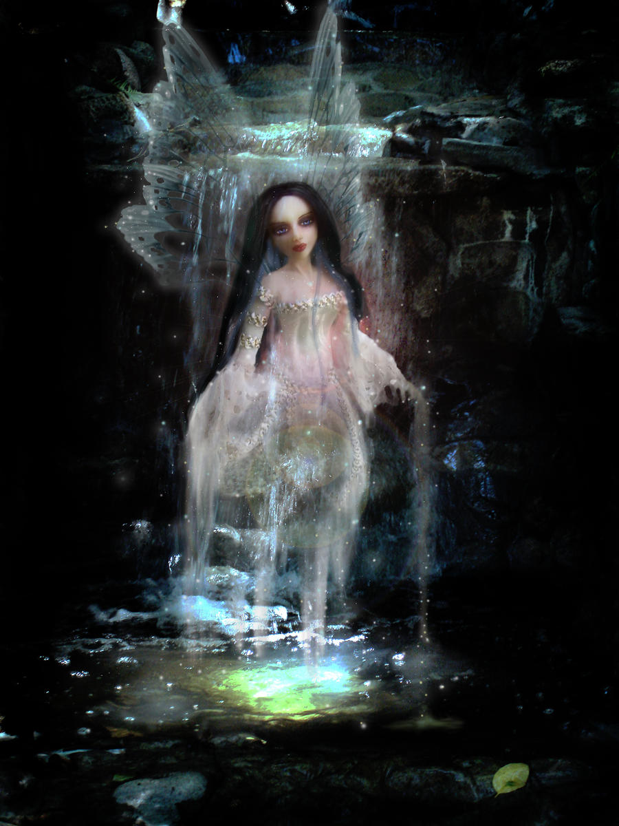 Gothic Water Goddess by S0WIL0