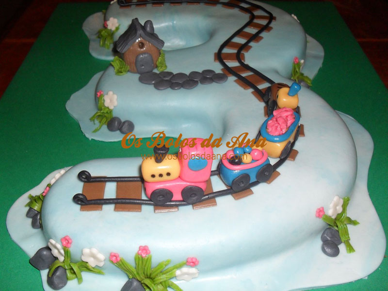 Cake Art Reddit : Number 3 train cake - 1 by osbolosdaana on DeviantArt