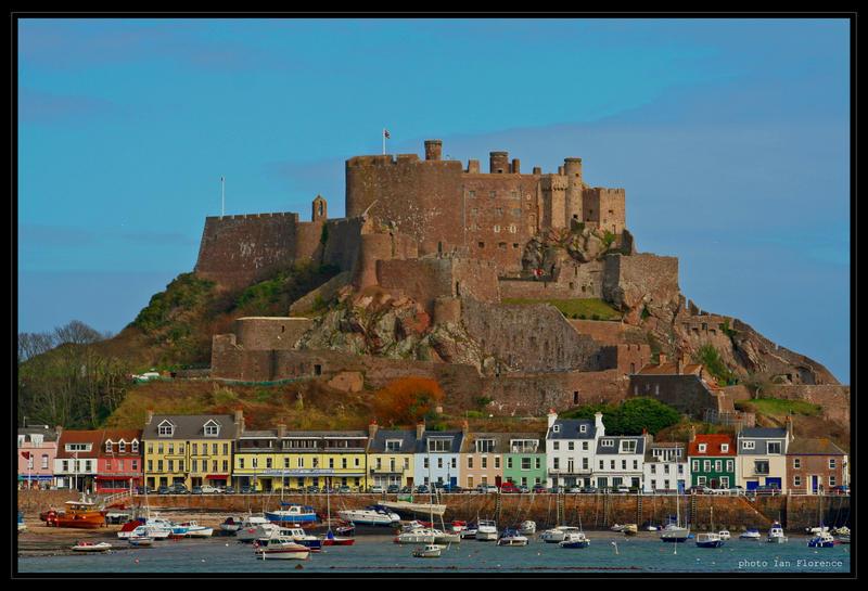 Mont Orguiel Castle by czakalwe