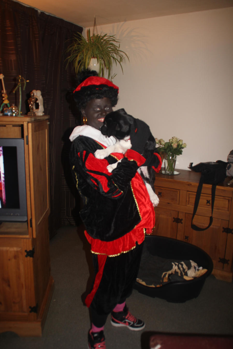 12-12-05 Zwarte Piet and Mickey by Herdervriend