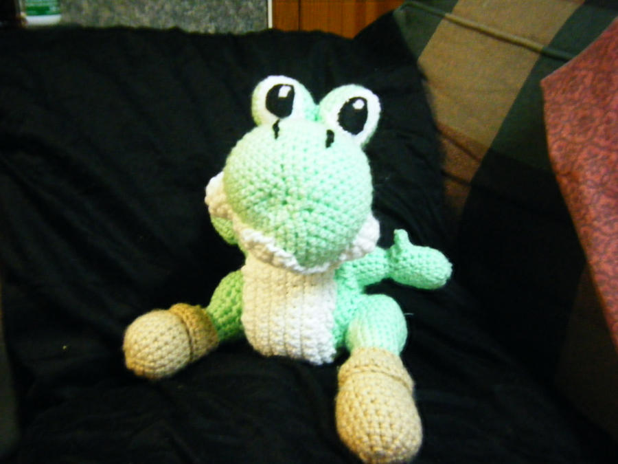 Amigurumi Yoshi Ohje : Crochet Amigurumi Yoshi by queenbeira on DeviantArt