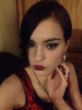 Halloween flapper makeup