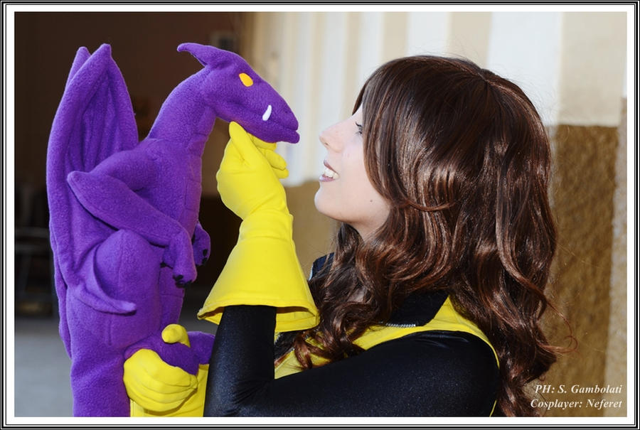 Kitty Pryde and Lockheed - Xmen by Neferet-Cosplay