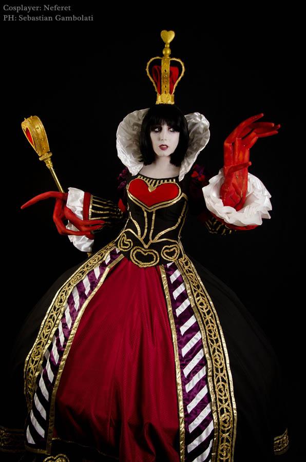 Queen Of Hearts Red Queen