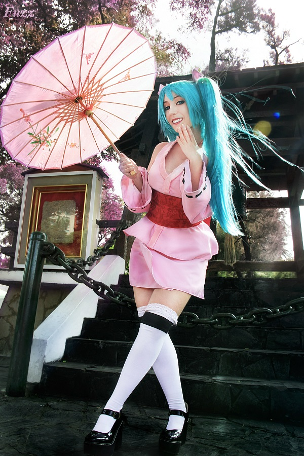 Hatsune Miku - Vocaloid Project Diva by Neferet-Cosplay