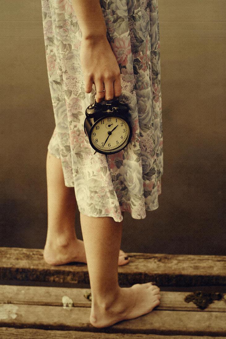 time passes    by iloveketchupp d4kay5f - ~ Avatar [ HazaL ]