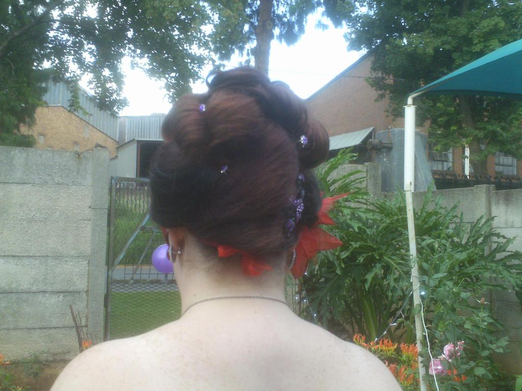 Hairdo by TheOriginalRaven