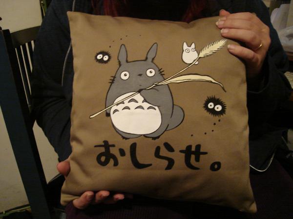 Totoro - almohadoncito by ShampooNeko